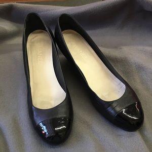 CHANEL Escarpins leather shoes.